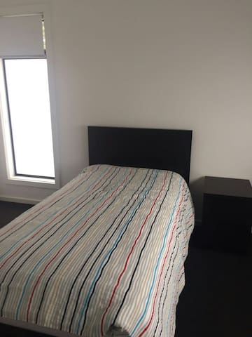 Brand new room in newly built home for long stay - Campbelltown