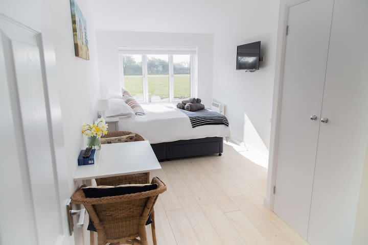 Self contained annexe close to Goodwood/Chichester - West Wittering - Гостевой дом