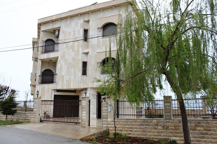 Two-story villa in Dhour Al Abadiye - Mount Lebanon - Villa