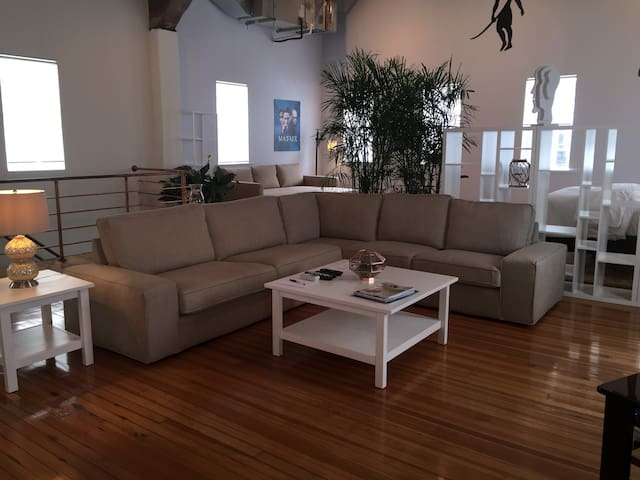 Huge Loft Apartment by Waterfront - Northport