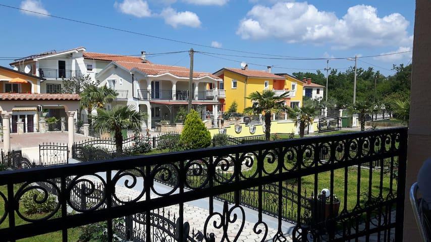 Wunderschönes Apartment nahe Porec - Poreč - Wohnung
