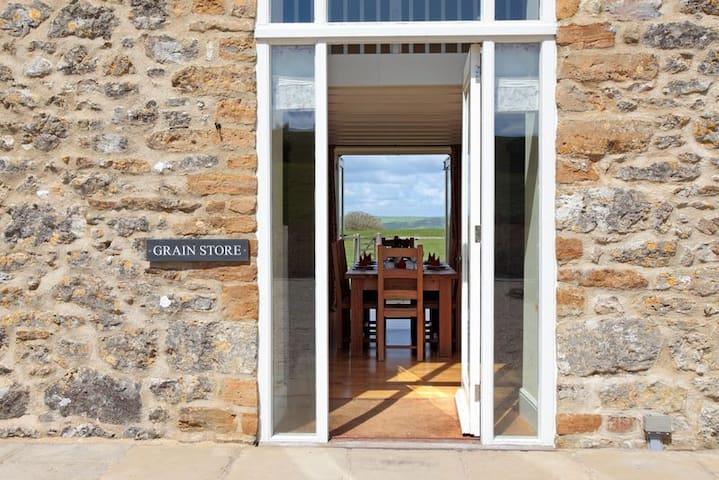 The Grain Store, Wears Farm, Abbotsbury, Jurassic Coast, SWCP, South Dorset Ridgeway - Abbotsbury - Casa