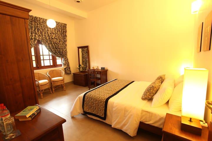 19 Flower Terrace - Hibiscus Room - Colombo