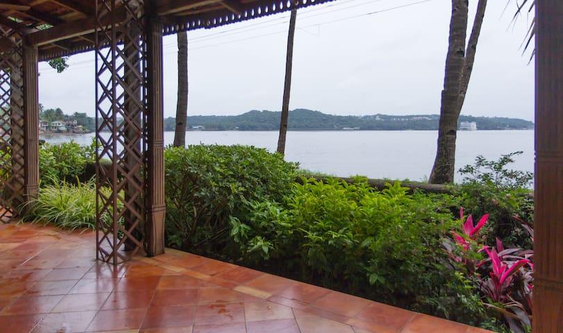 A tranquil villa on the river mandovi - Verem - Rumah