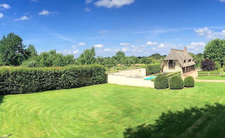 La Cri - Normandy Cottage - Saint-Étienne-l'Allier - Bed & Breakfast