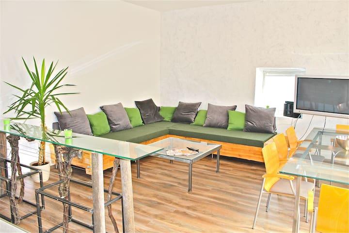 Modernes Apartment mit Weinkeller - Unterbergern - Appartement