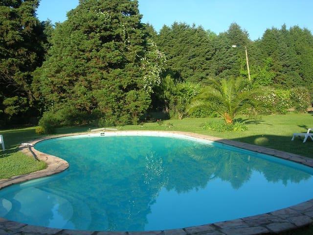 Casa quinta en Pilar, Parque de 5000 mts. - Fatima - Домик на природе
