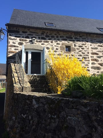 La Bergerie au coeur du Cantal à Coltines - Celles - Daire