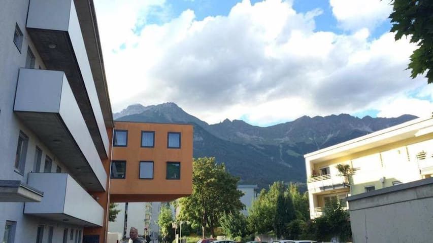 Beautiful Bright Great Location - Innsbruck - Leilighet