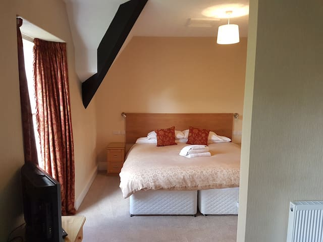 The Attic Suite at the Old Vicarage - Ambleside - Bed & Breakfast