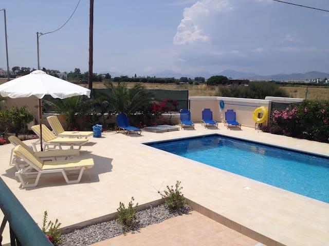 Berry Villa, private, swimming pool - Tigkaki - Villa