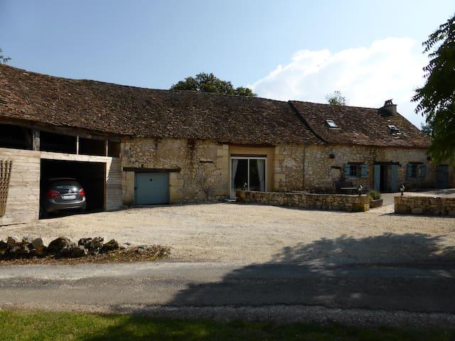 House in hamlet near Beaumont; private pool. - Beaumont-du-Périgord - Ev