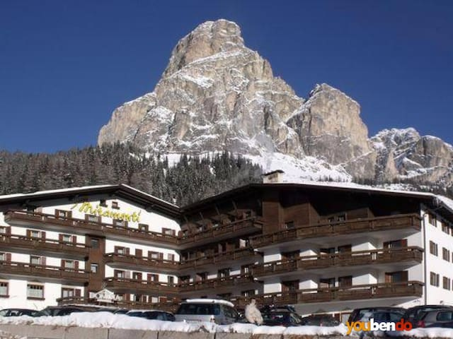 Apartment for 2-4 w/ kitchenette near ski slopes - Corvara In Badia