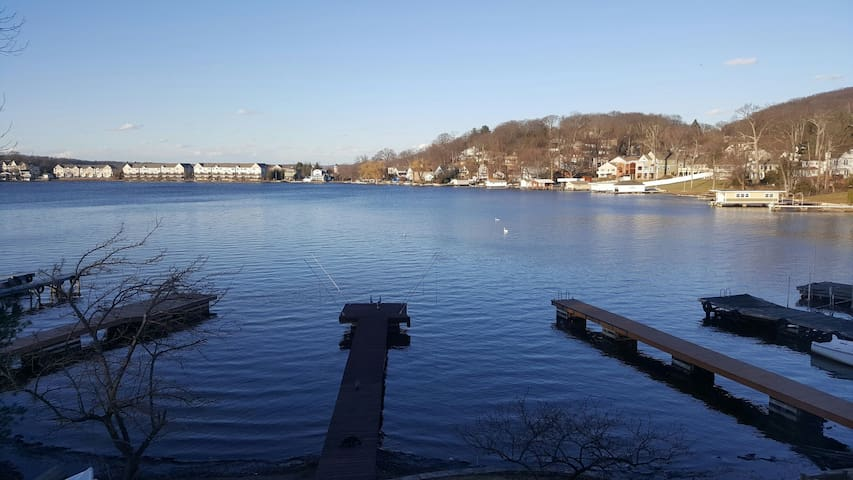 Lake Front on Hopatcong with Dock - Roxbury Township - Квартира