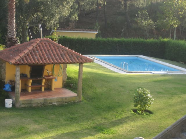 Beautiful property with shared pool and garden - Ponte de Lima - Rumah