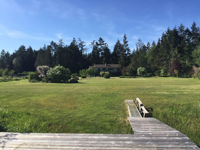 Nanaimo lake view/lake access house - Lantzville - Huis