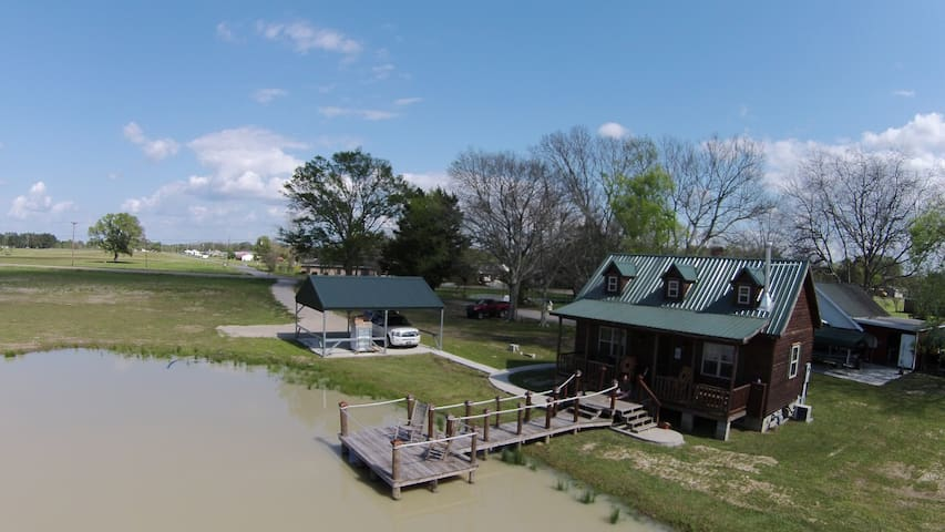 Cajun Acres Log Cabin - Arnaudville