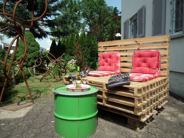 Room2Rent in House + Garden/Parking - Ebikon - Hus