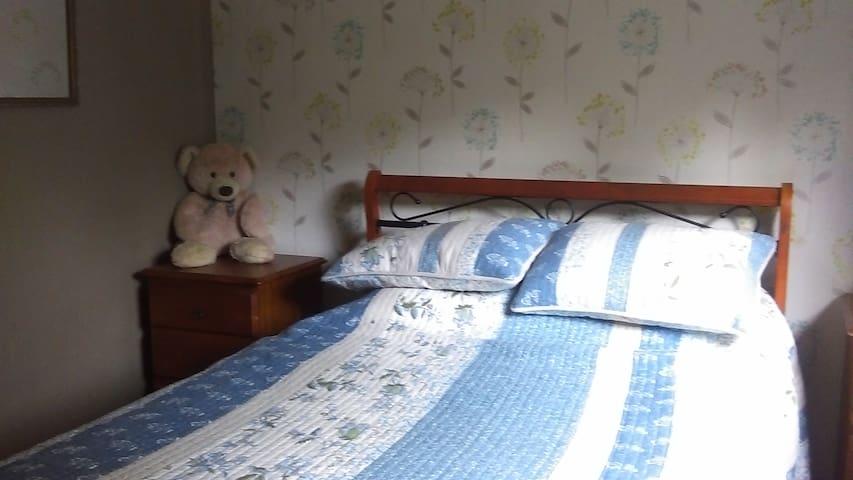 Viv's Place Bedroom Three - Greta