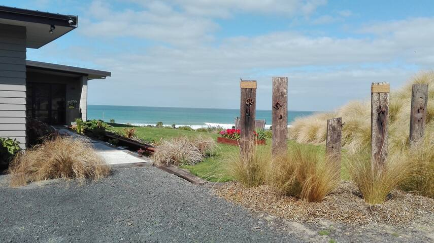 House by the sea - a perfect getaway destination. - Kuri Bush - Casa