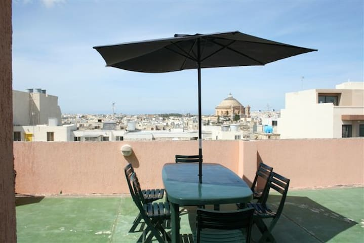 Spacious Apartment close to everything, - Mosta - Apartemen