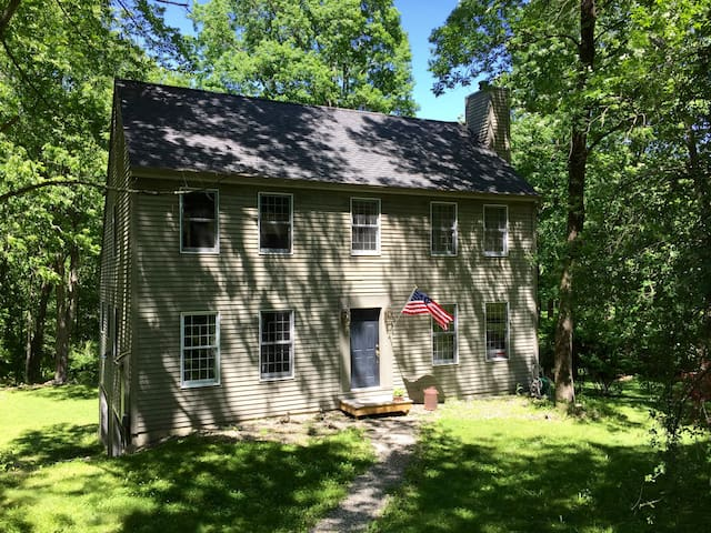 Country Home 2 Hours from NYC (Kent/Berkshires) - Kent - Hus