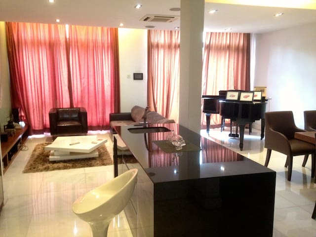 Lake Edge Guest room Available - 蒲種(Puchong) - 獨棟