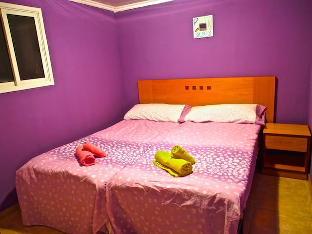 rent a room in a beautiful villa - Barrio Los Menores - 別荘