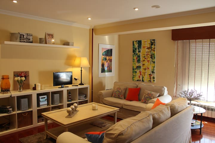 Amazing apartment with terrace 5min to Cathedral. - Santiago de Compostela - Hus