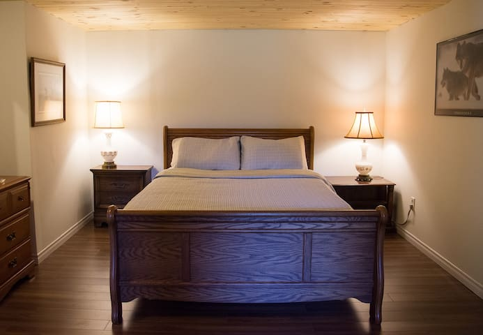 The Nest in the Forest B&B (Sauna & Hot-tub incl.) - Lakefield - Bed & Breakfast