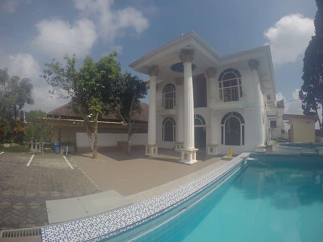 Kamaran Villa Kodok (1 kamar) - Purwosari - Apartmán pro hosty