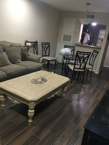 Condo!! 10 Minutes from New Orleans - Metairie