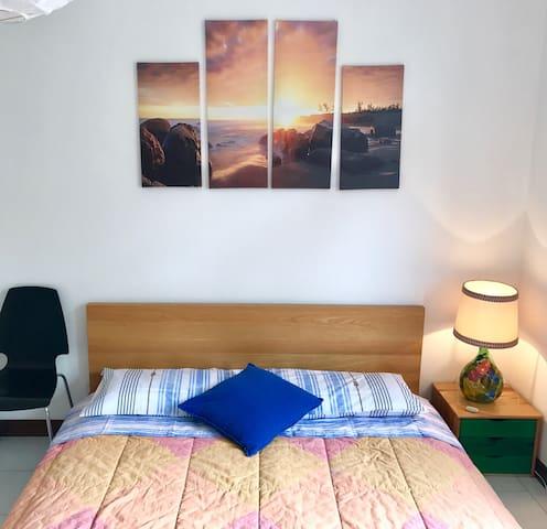 Bright double room in Como - Como - Apartemen
