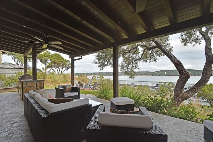 Lake Views on the Patio - Spicewood - Dom