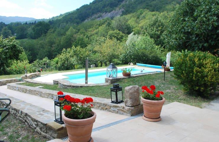 Wonderful private Villa Valmozzola - Valmozzola - Дом