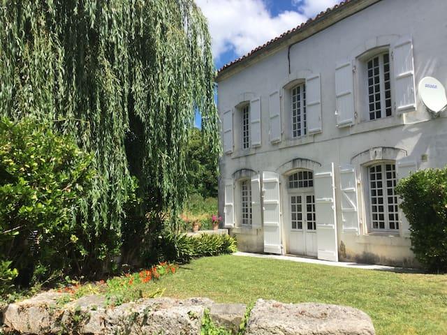 Maison du Pont Riverside B+B~Bedroom 1 ~ Le Jardin - La Rochebeaucourt-et-Argentine