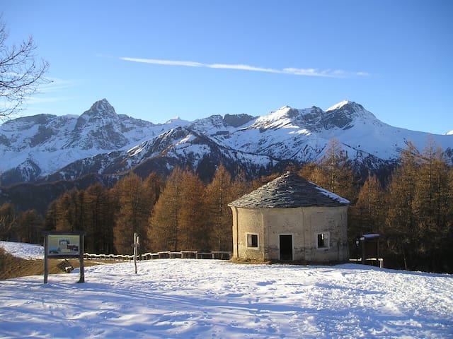 Casa di montagna ad Elva, in Valle Maira (CN). - Elva - Huis