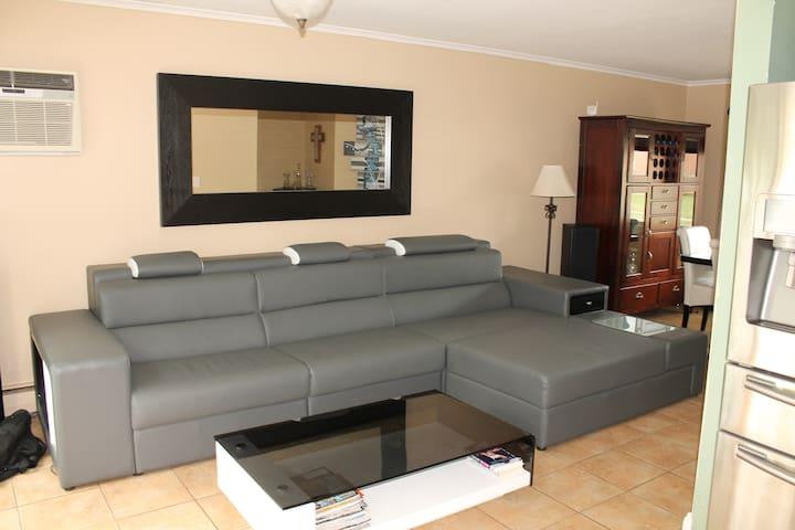 Private Apartment w/ Premium Amenities - Massapequa - Apartment