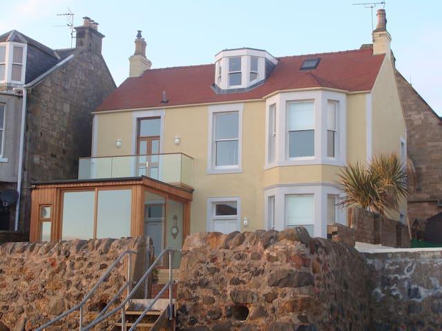 Beach house in Lower Largo (Near St. Andrews) - Lower Largo - Huis