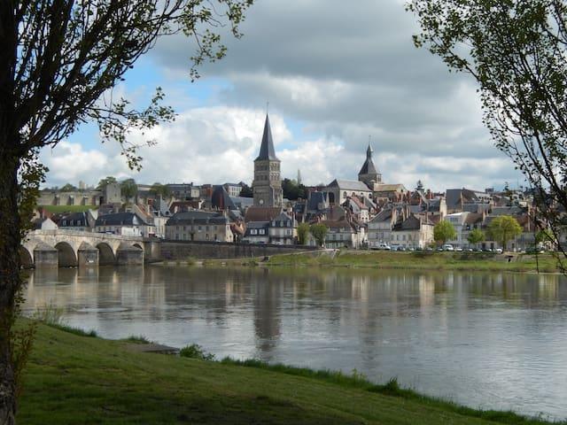 Maison dans zone naturelle à La Charité/ Loire - La Charité-sur-Loire - Huis