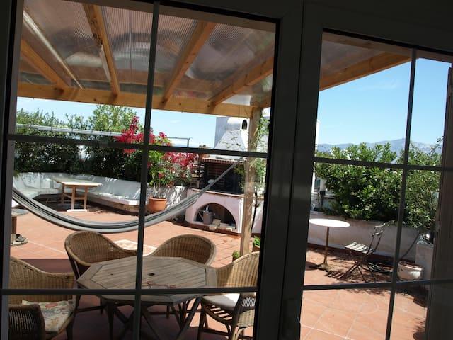 Cozy Studio with Roof garden - Cholargos