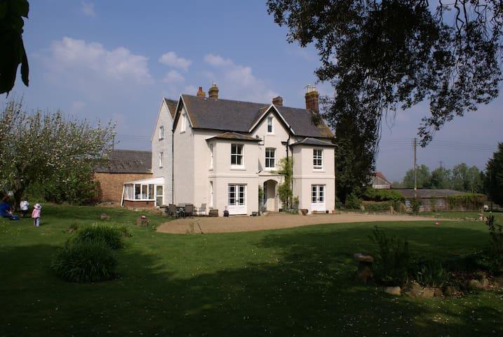 Haselor Farm Bed & Breakfast - Worcestershire - Bed & Breakfast