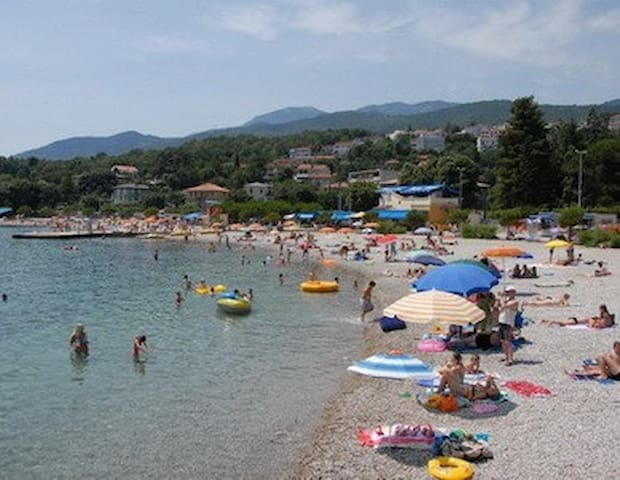 Family Apartment on Adriatic 5 mins Walk to Beach - Karin Gornji - Daire
