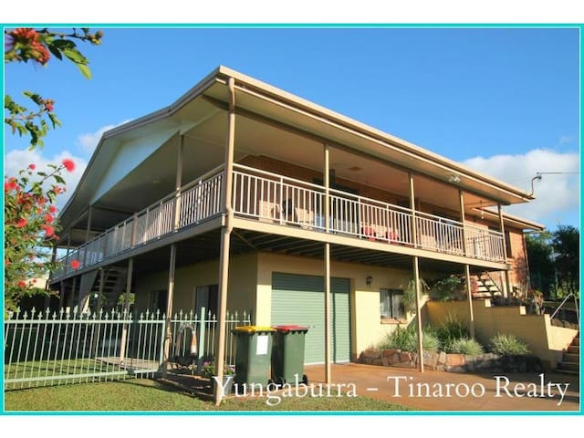 Off the Wallaby Accomodation! - Yungaburra - Huis