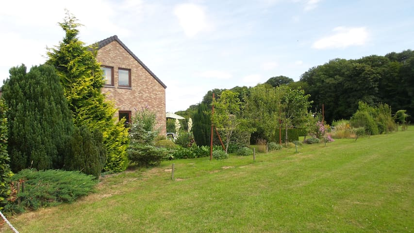 De tuin van Francine - Couvin - Appartement