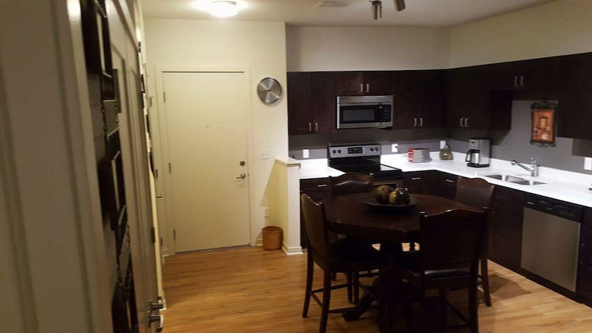 1 BD luxury Apartment - Englewood - Huoneisto