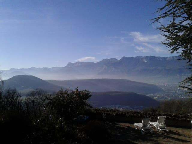 In nature, peaceful, 15min from Grenoble - Herbeys