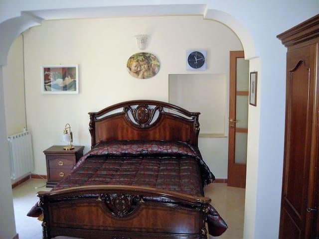 Delizioso appartamentino in centro storico - Caltanissetta - Leilighet
