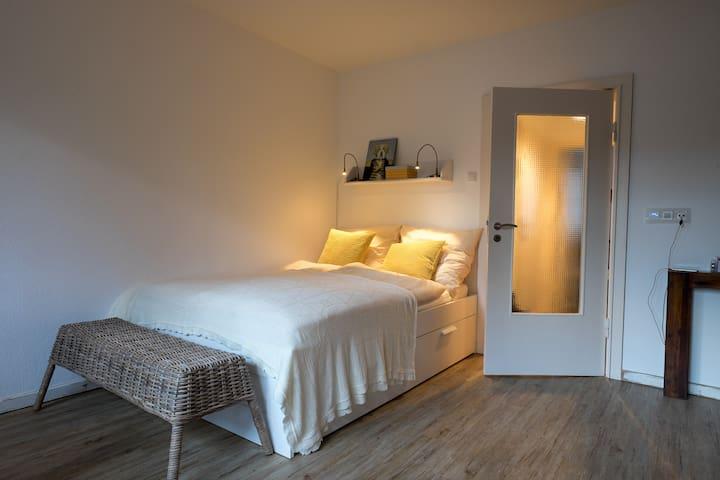 Tolle Wohnung, zentral& wassernah - Kiel - Apartamento