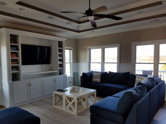Luxury Ocean Home with Pool and Golf Course - Holden Beach - Casa